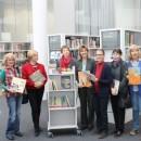 """Übergabe der Bücher aus der """"Kinderbuchkartei"""" an die StadtBibliothek"""